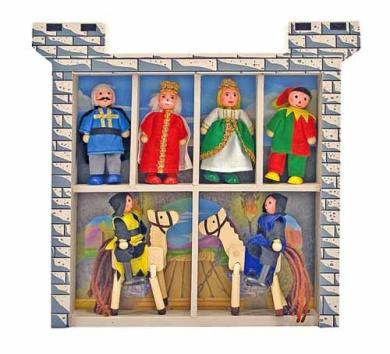 Melissa & Doug Castle Poseable Wooden Doll Set (8 pcs) for Castle and Dollhouse