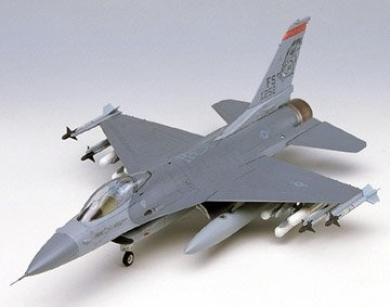 1/48 F-16C Fighting Falcon-Raz