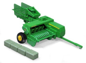Ertl Collectibles 1:16 John Deere 348 Square Baler And 4 Bales