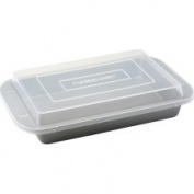 Farberware 52181 9 X 13 cake pan with Lid