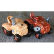 Great Finds Country Farm tractors Salt Pepper Shakers S/P