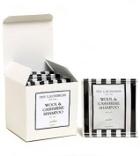 The Laundress Travel Pacquettes in Wool & Cashmere Shampoo-Cedar-8ct