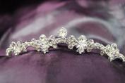 New Beautiful Bridal Wedding Tiara Comb with Crystal C18796