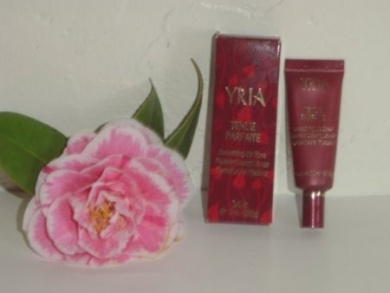 Yria Concentre Declat Light Enhancing Base with Ginseng, Vitamin A and E, 10ml (Blanc). Imported. France