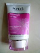 Pond's Flawless White Deep Whitening Facial Foam 50 grammes.