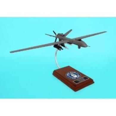 B11932F3W Executive Desktop MQ-9 Reaper 1/32 (^^) Model