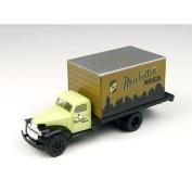 HO 1941-46 Chevy Tank Truck, Manhattan Beer
