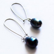 Unique 9-10mm Black Pearl Earring
