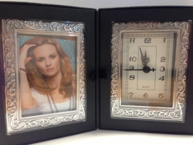 Capturing Time - Photo Frame & Clock