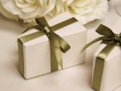 100 pcs White Triangle CAKE Wedding Favour Boxes
