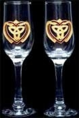 Celtic Glass Designs Set of 2 Hand Painted Champagne Flutes in a Celtic Trinity Heart Design.