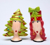 """10.2cm """"Dollymama"""" Women With Xmas Tree And Gift Salt And Pepper"""