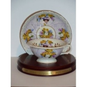 2001 AVON MRS P. F. E. ALBEE honour SOCIETY CUP AND SAUCER