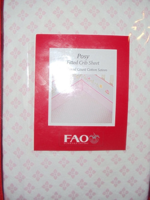 FAO Schwarz Posey Fitted Crib Sheet - Ditsy Pink & White