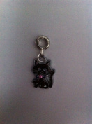 Divine Beads Black Enamel Lucky Cheshire Cat Dangle Charm Bead fits Pandora, Biagi, Tedora, Chamilia, Bacio, Troll and other European style bracelets. All purchases from Divine Beads will receive a free gift with their order as a thank you