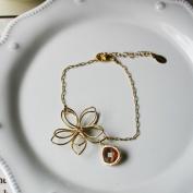 Rebecca FBSGBT Flower Wire Bracelet - Gold-Brown Topaz