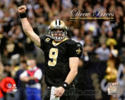 Photofile PFSAAOJ14501 Drew Brees Sets the NFL Single-Season Passing Yards Record with Overlay Poster by Unknown -8.00 x 10.00