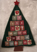 Gisela Graham Large Traditional festive Fabric christmas Tree Advent Calender with 24 Pockets in for christmas Treats