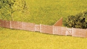 Wills SS44 Larch Lap Fencing suitable for garden boundaries