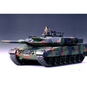 Leopard 2A5 Main Battle Tank - 1:35 Scale Military - Tamiya