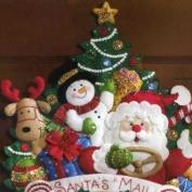 Bucilla Felt Applique Wall Hanging, Christmas Mail Truck