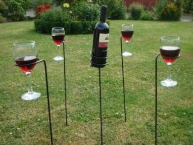 Garden Drinks Wine Glass & Bottle Holder Set