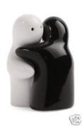 Hugging Couple Lovers Salt & Pepper Shakers Cruet Set - Black & White