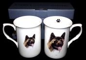 SET OF 2 BONE CHINA BEAKERS/ MUGS japanese akita dog PRESENTATION GIFT BOXED- lovely gift