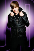 Justin Bieber Maxi Poster 61cm x 91.5cm Striking Photography Of The Pop Sensation Which Is Sure To Induce Bieber Fever