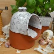 Terracotta Salt Piglet - Oyster Glaze