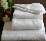 Homescapes Turkish Cotton Bath Towel White Very Soft and Absorbent, 500 GSM Heavy Weight for everyday Luxury