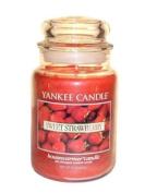 Yankee Candle Large Sweet Strawberry Jar Candle 1053531
