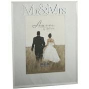 Beautiful Amore Wedding Gift. 3D Mr & Mrs Design Photo Frame 18cm x 13cm