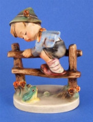 c1950 Goebel HUM201 2/0 Retreat to Safety figure