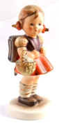 c1950 Goebel HUM812/0 School Girl figure