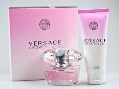 VERSACE BRIGHT CRYSTAL Women Gift Set Eau de Toilette 1.7 Spray + 3.4 Lotion