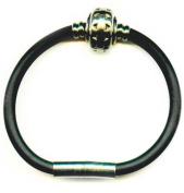 Bracelet in Steel & silicone in a black velvet pouch