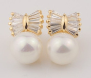 Stunning Quality Pearl and Rhinestone Ear Studs Earrings Gold Plated
