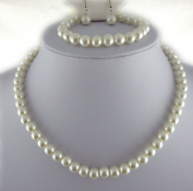 Jay Jewellery - Cream glass pearl necklace with earrings and bracelet