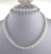 Jay Jewellery - White glass pearl necklace with earrings and bracelet