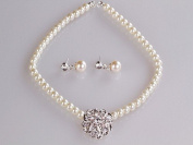 Blingalove Crystal Stud Flower & Faux Pearl Necklace And Earrings Set