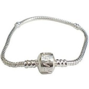 Believe Beads © 18 cm Silver plated charm Bracelet with Love Clasp for pandora/chamilia/troll type charm beads.