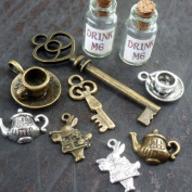 Alice in Wonderland 10 Pcs Steampunk Antique 1ml Drink Me Bottle Vial Jewellery Charm Findings Mix Lot 98