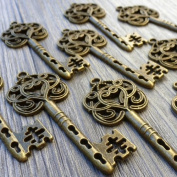 5 Pcs Steampunk Antique Bronze Brass Key Charm & Pendant Tibetan Style Jewellery Findings 6x2cm Lot 111