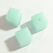 4 pcs. Crystal 5601 Cube Bead Spacer Mint Alabaster 6mm / Findings / Crystallised Element