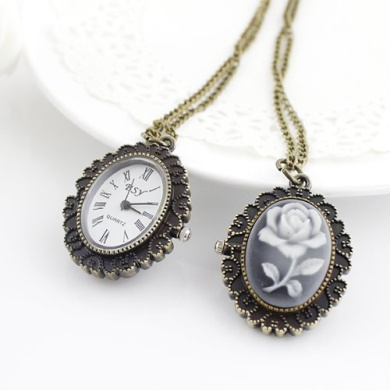Costume Jewellery Fashion Delicate Antique Packet Watch