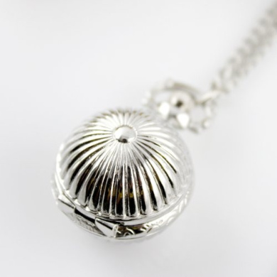 Vintage Jewellery Fashion. Alloy Ball Pendent Watch