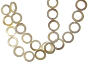 Bead Collection 40606 Shell Loop Circle White Beads, 23cm
