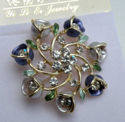 Gorgeous Pin Brooch Water Crystal -Silver Metallic with Flowers & Rhinestone,3.8cm W x 3.8cm H ,Fashion Pin Brooch,Super Saving Gorgeous Design. .  d !