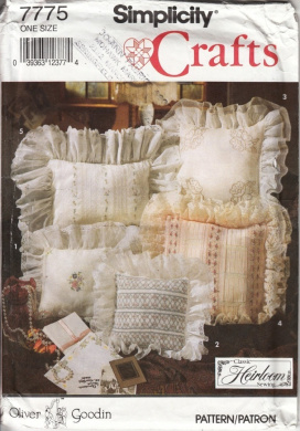Simplicity 7775 - Oliver Goodin Heirloom Pillows Pattern, Five Styles